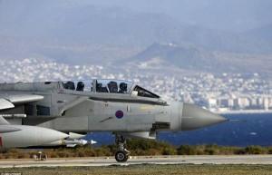 القاذفات البريطانية تقصف حقولا نفطية في سوريا للمرة الثانية
