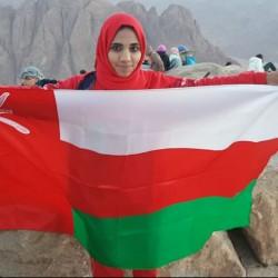 بدور الصالحية مغامرة عمانية تستعد لتسلق أعلى قمة جبلية بإيران
