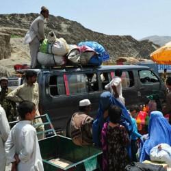 السلطات الباكستانيه تواصل اخلاء البلاد من الاجئين الأفغان