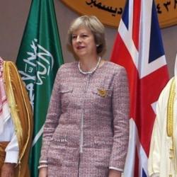رئيسة الوزراء البريطانية تنتقد وزير خارجيتها بعد تهجمه على السعودية و أيران