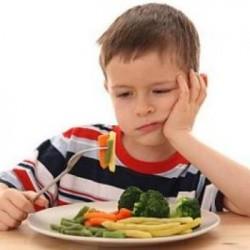 هل يعاقب الآباء على إجبار أبناءهم على تناول الخضار؟