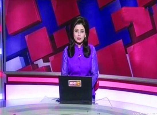 بالفيديو شاهد مذيعة قرأت خبر وفاة زوجها على الهواء بالصدفة