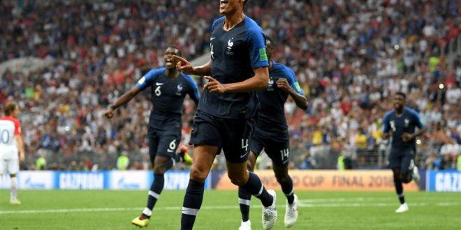 فرنسا تتوج بلقب كأس العالم للمرة الثانية بتاريخها