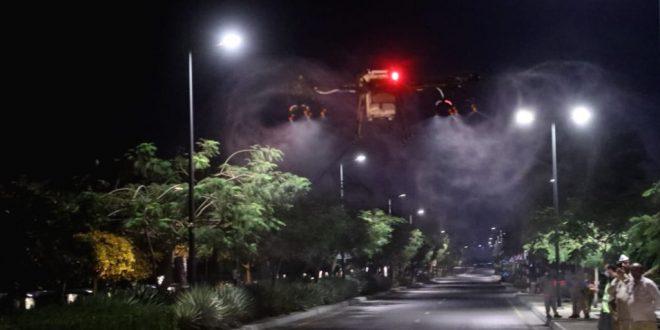 بالصور: تعقيم ولاية السيب باستخدام طائرات مسيرة