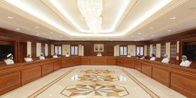 اللجنة العليا تقرر حظر إقامة المناسبات الجَمَاعيّة وتأجيل التوسّع في التعليم المدمج