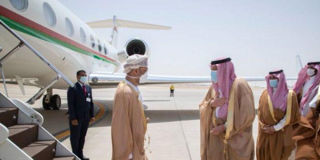 معالي بدر البوسعيدي يصل الرياض