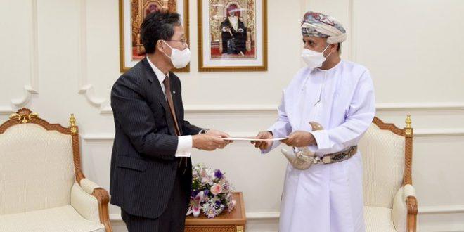 رسالة خطية لسمو السيد شهاب بن طارق من وزير الدفاع الكوري
